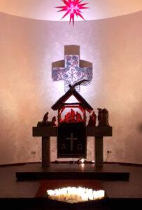 Kirchenaltar im Advent